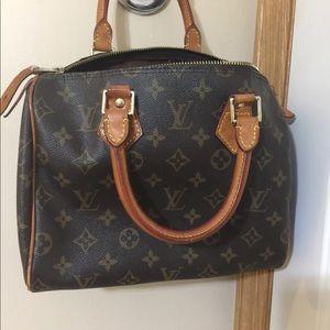 41b12314f945 Louis Vuitton Bags - Louis Vuitton speedy 25 MB0031